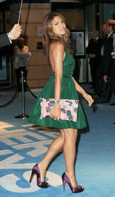 The Other Guys in London - Prada Dress - Ideas of Prada Dress - eva mendes pretty little green dress and floral purse Eva Mendes, Divas, Prada Dress, Deep Autumn, Eva Longoria, Sexy Legs, Green Dress, Love Fashion, Celebrity Style