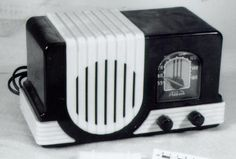 1945 Addison Radio came w/ Batteries for non-electrified areas of Canada #FromSciTechMuseum #ArtifactOfTheDay