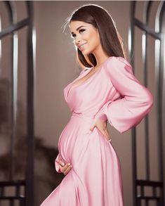 Attention to Your Choice of Clothes When You Are Pregnant! Stylish Maternity, Maternity Dresses, Maternity Fashion, Maternity Pictures, Pregnancy Photos, Pregnancy Workout, Maternity Photography, Mom And Dad, New Baby Products