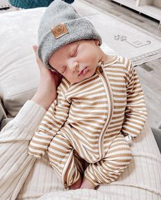 Cute Outfits For Kids, Baby Boy Outfits, Cute Kids, Cute Baby Pictures, Baby Photos, Cute Babies Photography, Cute Baby Videos, Everything Baby, Baby Boy Fashion