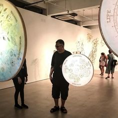 Clockwork moons series  Nicola Anthony  2017  Nicola Anthony commissioned by Singapore Art Museum  #humanarchiveproject  #nicolaanthony #art #artwork #artist #contemporaryart #kunst #desin #artiste #artistatwork #sculpture #SingaporeArt #collectart #contemporaryArt #gold #modernart #moon #portrait #light #shadow #dark #darkness #night #lightsculpture #planets