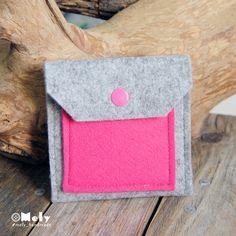 Piccolo portamonete/portatutto da borsa in feltro grigio chiaro e taschina in feltro fucsia di MelyHandmade su Etsy