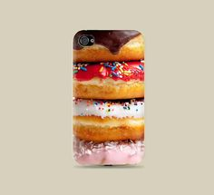 Just try not to salivate whenever you look down at this doughnut case made for iPhone and Samsung phones. Food Phone Cases, Ipod 5 Cases, Cute Phone Cases, Iphone Cases, Iphone 4s, Coque Iphone, Junk Food, Mode Blog, Cool Cases
