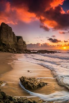 Sunset at Sesimbra, Portugal . Portugal has to be the most beautiful place on earth. Beautiful Sunset, Beautiful Beaches, Beautiful World, Beautiful Things, Places Around The World, Belle Photo, Beautiful Landscapes, Wonders Of The World, Places To See