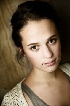 Alicia Vikander                                                       …