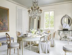 House Beautiful: Perfection - I'm ready to move in --- this is a stunner. * * The New Orleans home of designer Tara Shaw in Veranda Magazine. via:cotedetexas * * Tara Shaw, in her h French Country House, French Country Decorating, French Farmhouse, Dining Room Inspiration, Design Inspiration, Fine Paints Of Europe, Neoclassical Design, Veranda Magazine, New Orleans Homes