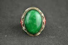 Beautiful Chinese Collectible Decorate Handwork Miao Silver Adjustable Ring Inlaid with Artificial Green Jade and Flower