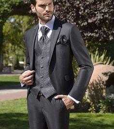 Wedding Dress Men, Wedding Suits, Wedding Bride, Tuxedo For Men, Mens Suits, Male Models, Eldredge Knot, Nice Dresses, Winter Fashion