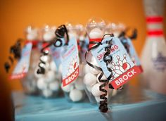 Find the best bowling Party Decorations! Do you need decorations ideas for your bowling party? Here are some cool bowling party decoration ideas. Bowling Party Favors, Fun Bowling, Party Favor Tags, Bowling Pins, Favor Bags, 9th Birthday Parties, Birthday Party Favors, Birthday Ideas, Birthday Boys
