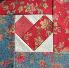a Quilt Lady - : Hearts for Valentine`s Day and a Sunbonnet Sue quilt finished. Heart Quilt Pattern, Quilt Block Patterns, Pattern Blocks, Quilt Blocks, Log Cabin Quilts, Barn Quilts, Small Quilts, Mini Quilts, Quilting Projects