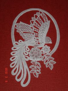 """""""Bird"""" - parchment paper art (pergamano) by marie960.canalblog"""