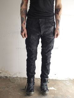 I love these pants. The way they're distressed makes them look dirty in the coolest way possible. Parachute Pants, Leather Pants, Fashion, Leather Jogger Pants, Moda, Fashion Styles, Lederhosen, Leather Leggings, Fashion Illustrations