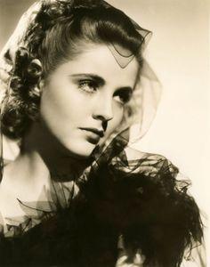 Kay Aldridge, photo by Alfred Cheney Johnson