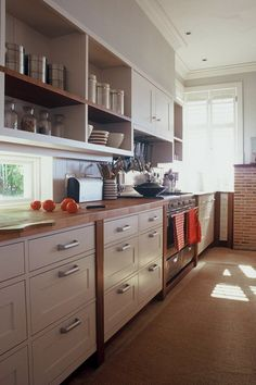 beautiful Kitchen Hacks, Kitchen Ideas, Kitchen Cabinets, Kitchens, Room Ideas, House Ideas, Home Decor, Beautiful, Houses