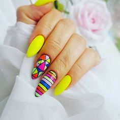 Ideas para pintar tus uñas de color amarillo -  Yellow Nails   Decoración de Uñas - Nail Art - Uñas decoradas