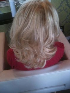 Bouncy, hollywood blow-dry.