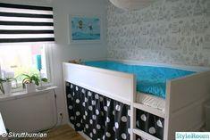 Le possibilità di personalizzare il letto reversibile Kura di Ikea sono veramente infinite! Guardate la foto sotto: non solo è diventato ro...