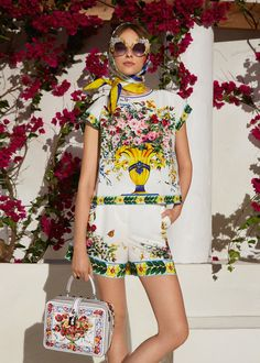 Discover the new Dolce   Gabbana Women s Caltagirone Collection for Fall  Winter 2017-18 and def252eb79970