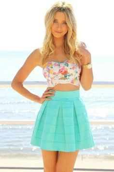Cute outfit. Perfect for spring or summer