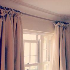 @adainalinenfabrics @byronandbyronltd fabulous Ebba oyster linen interlined curtains with cottage pleat heading on Barnwood pole #stripeinteriors