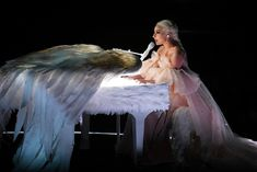 Lady Gaga - Performi