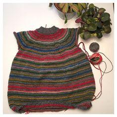 A punto de ponerme con las mangas de mi #jerseyespiral!! Tengo unas ganas de acabarlo... Y estrenarlo!!! #tejeresmisuperpoder #instaknit #ganchillo #crochet #calceta #instaknit #instacrochet #crochetigers #knitting #crocheting #knittersoftheworld #puntosocialclub  #knittersdeverdad #weknit by luymou