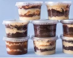 Chocolate Treats, Chocolate Recipes, Chocolate Chip Cookies, Party Food Buffet, Lunch Buffet, Dessert Boxes, Dessert Cups, Food Cakes, Dessert Packaging