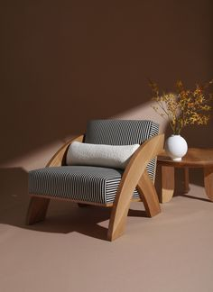 MOVING MOUNTAINS–Arc Lounge Chair