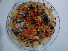 Receita de Sardinha ao forno com batata, cebola e tomate. Enviada por Bianca M e demora apenas 30 minutos.