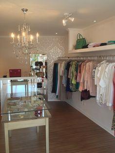 Kapcsolódó kép Boutique Decor, Charity Shop, Dressing, Healthy Snacks For Adults, Business Design, Showroom, Decor Styles, Decoration, Store