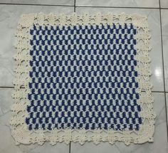 Meu tapete xadrezinho com fio conduzido