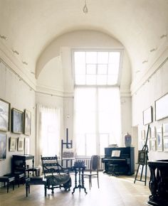 """innerbohemienne: """" A most beautiful space ~ St. Petersburg art studio of Arkhip Kuinji, a century Georgian artist. Who wouldn't be inspired with this kind of natural light? Dream Studio, My Art Studio, Studio Ideas, Best Interior, Interior And Exterior, Interior Design, Style Loft, Atelier D Art, Room Of One's Own"""