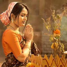 Beautiful Saree, Beautiful Indian Actress, Top 10 Beautiful Women, New Instagram Logo, Cotton Saree Blouse Designs, Actors Images, Cute Beauty, Indian Beauty Saree, India Beauty