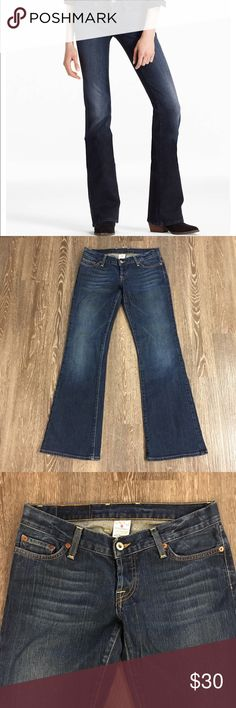 """🆕Lucky Brand Lil Maggie Low Rise Flare Jeans Lucky Brand Lil Maggie Low Rise Flare Jeans. Size: 6/28. Regular length. Low-rise, slim fit through the hip and thigh with a flare. 99% cotton. Double button fly closure. Minor wear at hem, some fading on back toward hem. Inseam: 31 1/2"""". Length: 40"""". Rise: 7"""". All measurements taken laying flat without stretching.   First two photos for styling purposes only. Lucky Brand Jeans Flare & Wide Leg"""