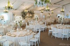 This dreamy Canada wedding is the definition of opulence. With an all-white color palette, this wedding at theTaboo Muskoka Resortis minimal, classy, and luxurious.Forget Me Not Flowersprovided the gorgeous floral designsfor this garden-inspired wedding, andAnne Anderson Eventshelped plan and coordinate this incredibly elegant celebration for the bride and groom.Mango Studioswas there to capture all the […]