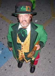 putting this in my classroom Leprechaun Pictures, Duende Real, Kobold, Barcelona, Green Beer, Holiday Market, Paddys Day, Little People