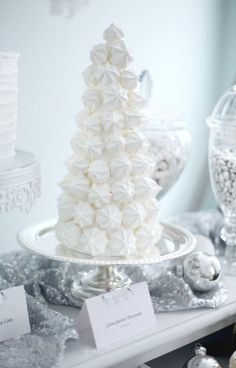 white and silver christmas party frozen dessert tablechristmas