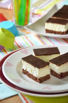 Almás-diós-mazsolás reformszelet - Kifőztük, online gasztromagazin Hungarian Desserts, Hungarian Cake, Hungarian Recipes, Sweet Cookies, Cake Cookies, Cupcake Cakes, Salty Snacks, Cake Bars, Sweet And Salty