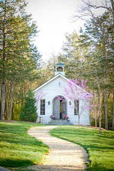 Country church, with young redbud tree near the winding path to the open door. Abandoned Churches, Old Churches, Take Me To Church, My Church, Houses Of The Holy, Church Pictures, Old Country Churches, Church Building, Chapelle