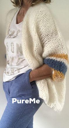 Knitwear Fashion, Knit Fashion, Sweater Fashion, Knit Vest Pattern, Knit Patterns, Easy Knitting, Loom Knitting, Crochet Cardigan, Knit Crochet