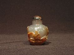 Cameo Agate Snuff Bottle with Fisherman and Fish