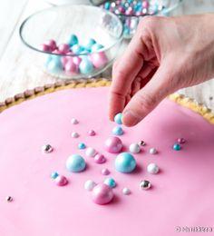 Baileys-bebepiirakka | Reseptit | Kinuskikissa Irish Cream, Baileys, Sprinkles, Candy, Desserts, Food, Bebe, Tailgate Desserts, Deserts