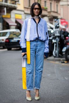 How to wear a scarf in the summer