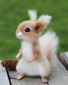 Needle Felted Animals, Felt Animals, Needle Felting, Cute Funny Animals, Cute Baby Animals, Baby Squirrel, Cute Little Things, Animal Totems, Felt Toys