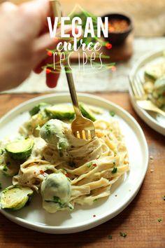 20 EASY Vegan Holiday Entrée Recipes! #vegan #holidays #minimalistbaker #dinnera