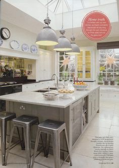 Bespoke Martin Moore kitchen martinmoore.com Period Homes & Interiors December 2015