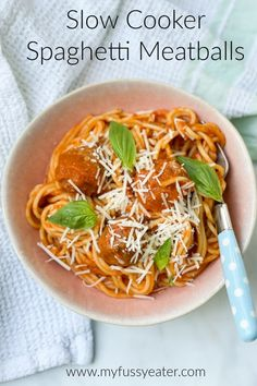 If your kids are fans of spaghetti and meatballs but not so keen on veggies, then both you and them are going to love this recipe! I've made this recipe as easy as possible, using as few ingredients as possible. Whilst also trying to maximise on taste and flavour. Everything gets chucked in the slow cooker earlier in the day when the kids are still at school and by the evening you have a delicious dinner ready to serve up! Slow Cooker Quinoa, Slow Cooker Chicken, Slow Cooker Recipes, Meat Recipes, Crockpot Recipes, Easy Meals For Kids, Easy Family Meals, Hidden Vegetable Recipes, Slow Cooker Spaghetti