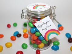 DIY süßes Geschenk aus dem Glas Regenbogentröpfchen {mit gratis Printable}
