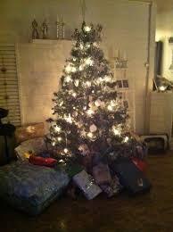 Bilderesultat for juletre med gaver Christmas Tree, Holiday Decor, Home Decor, Teal Christmas Tree, Decoration Home, Room Decor, Xmas Trees, Christmas Trees, Home Interior Design