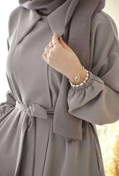 Modest Fashion Hijab, Modesty Fashion, Abaya Fashion, Fashion Dresses, Muslim Women Fashion, Islamic Fashion, Mode Abaya, Hijab Fashionista, Hijab Fashion Inspiration